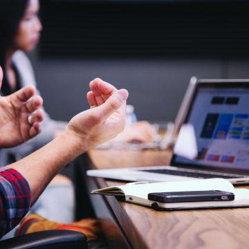 Cyfrowe narzędzia komunikacji wewnętrznej. Jakie znasz i z których korzystasz?