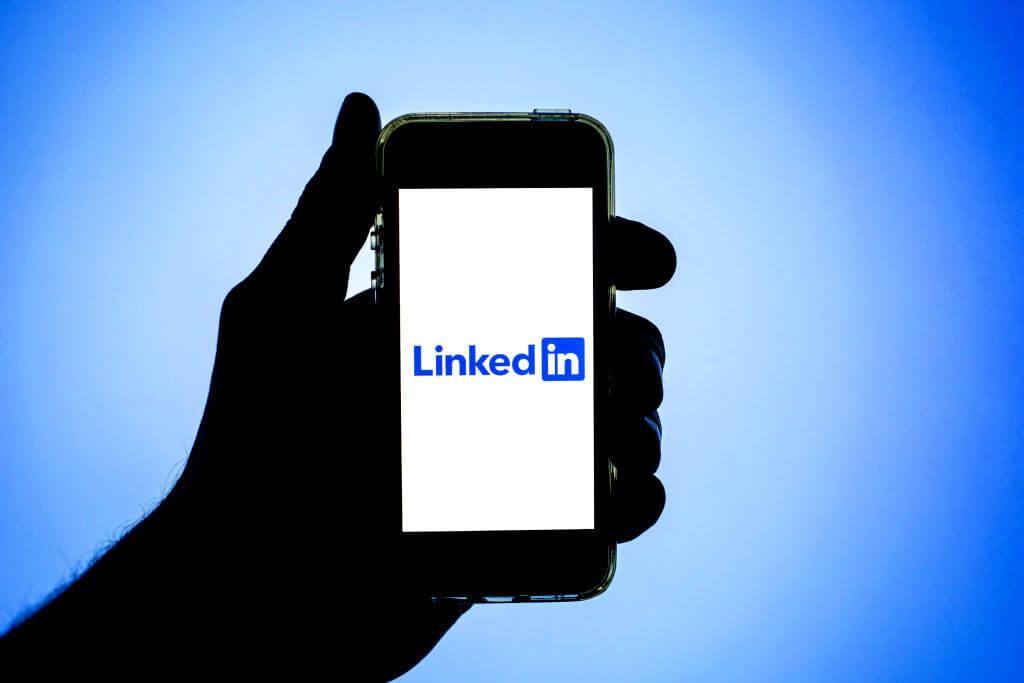 Aplikacja LinkedIn na telefonie