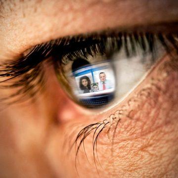 Marka osobista w social mediach. Czy warto mieć dwa osobne profile?