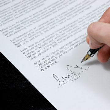 Najważniejsze elementy umowy o pracę. Co musi zawierać?